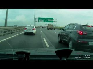 Влетел в тачку на мотоцикле